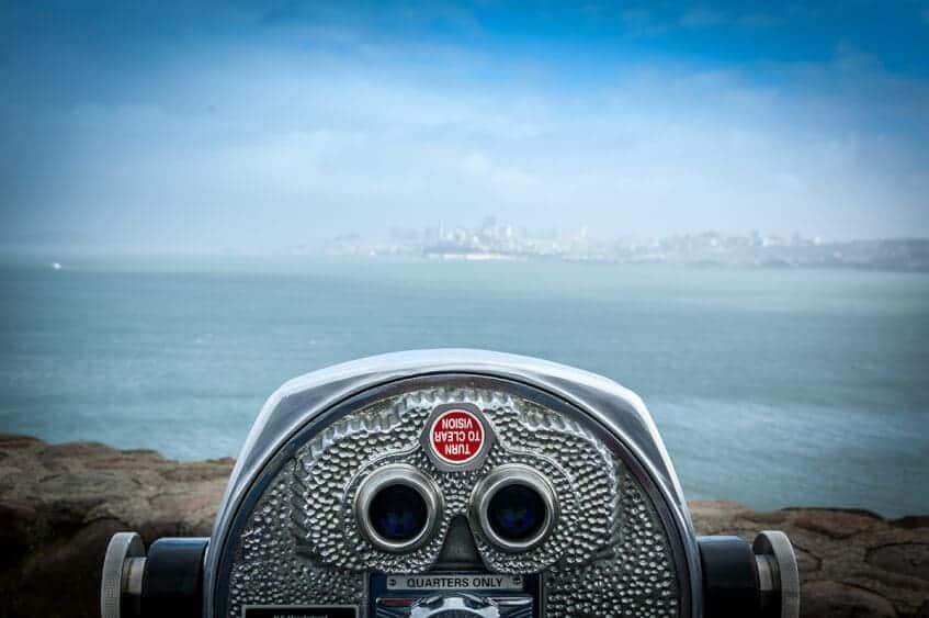 binoculars1.jpg